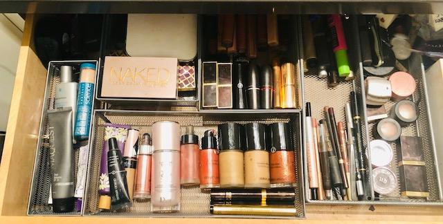 Dina's makeup drawer