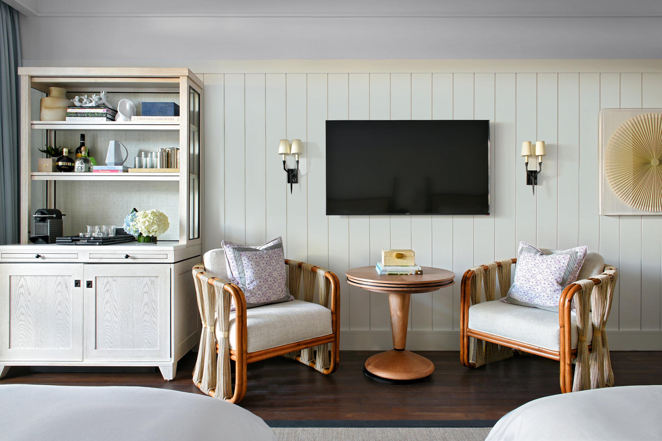 Queen Room_Sitting Area.jpg
