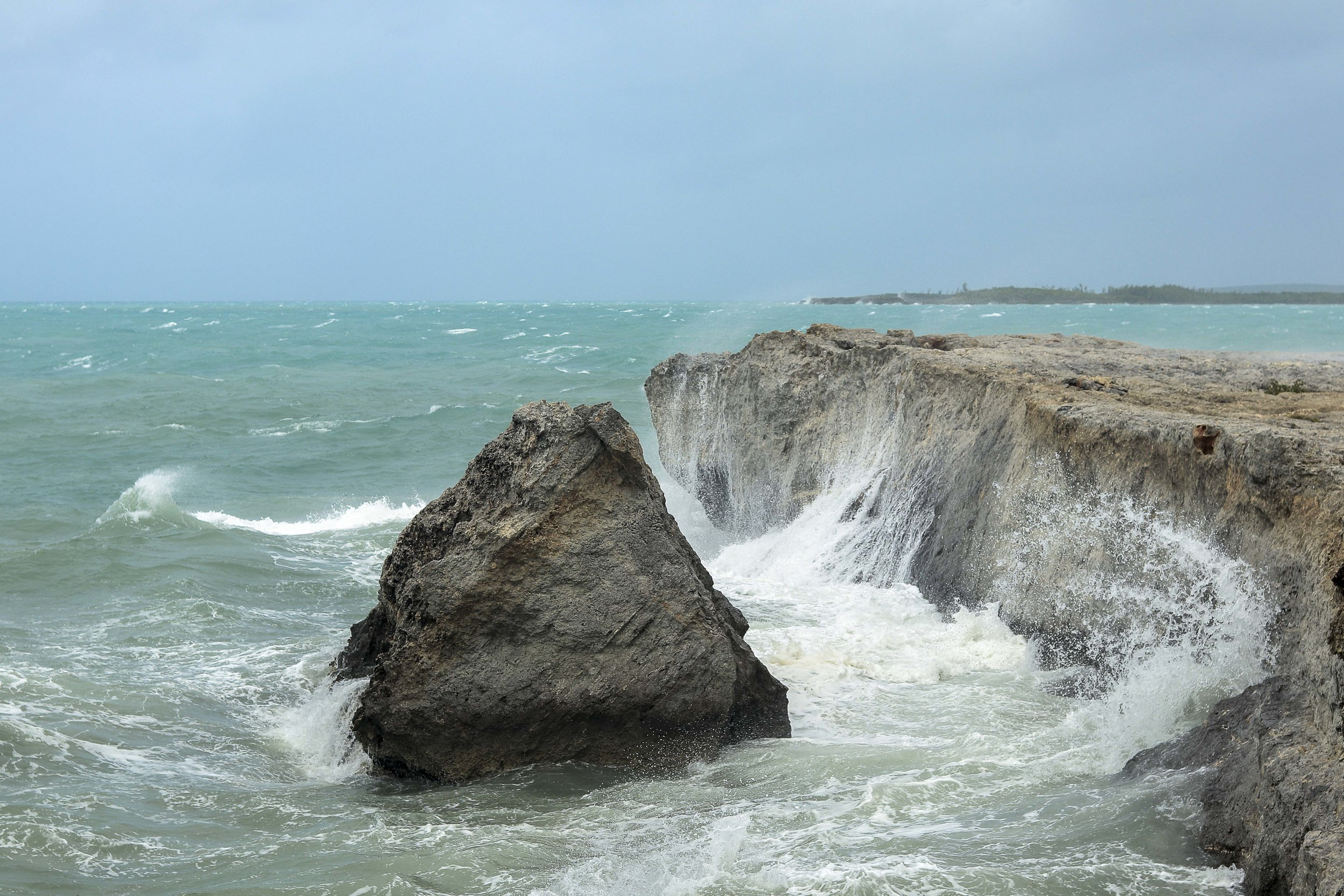 Crushing Waves by Alessandro Sarno.