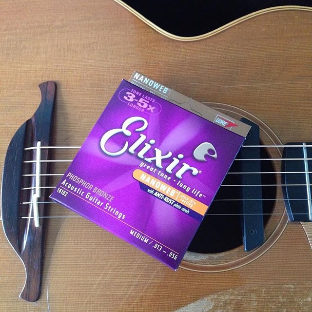 Nothing like a new set of @elixir_strings before a gig! Been using Elixirs for 15 years now and nothing else comes close.  #guitarist #acousticguitar #guitar #acoustic #musician #fingerstyle #fingerstyleguitar #acousticmusic #talentedmusicians #instaguitar #sologuitar #instrumental #musiclife #musiclovers #musicislife #liveshow #liveperformance #musicphotography #lovemusic #musicoftheday #guitarcover #bestsong #lowden #lowdenguitars #elixir #elixirstrings #g7thcapo