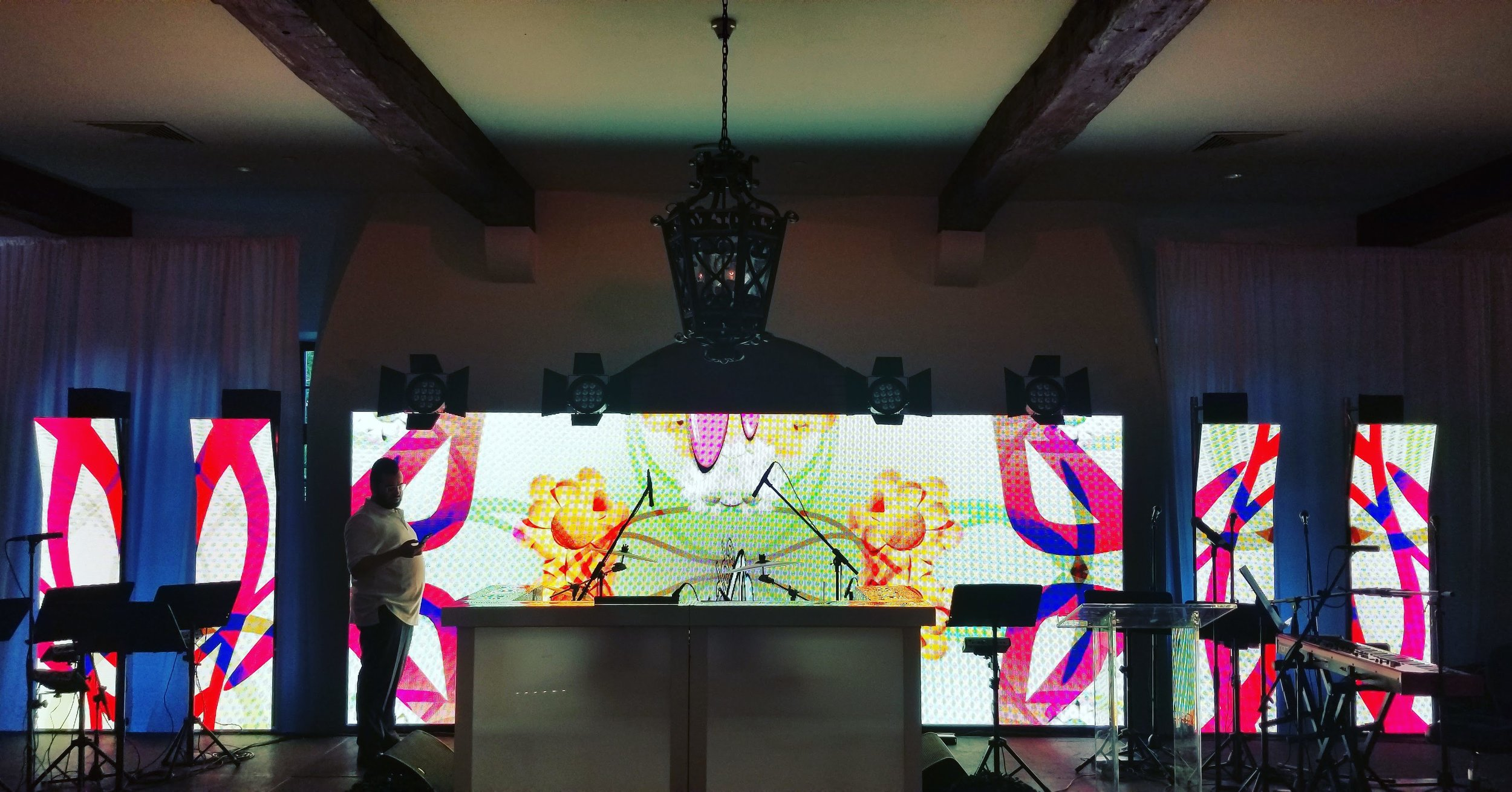 Vibrant LED Video Wall Display with Custom images