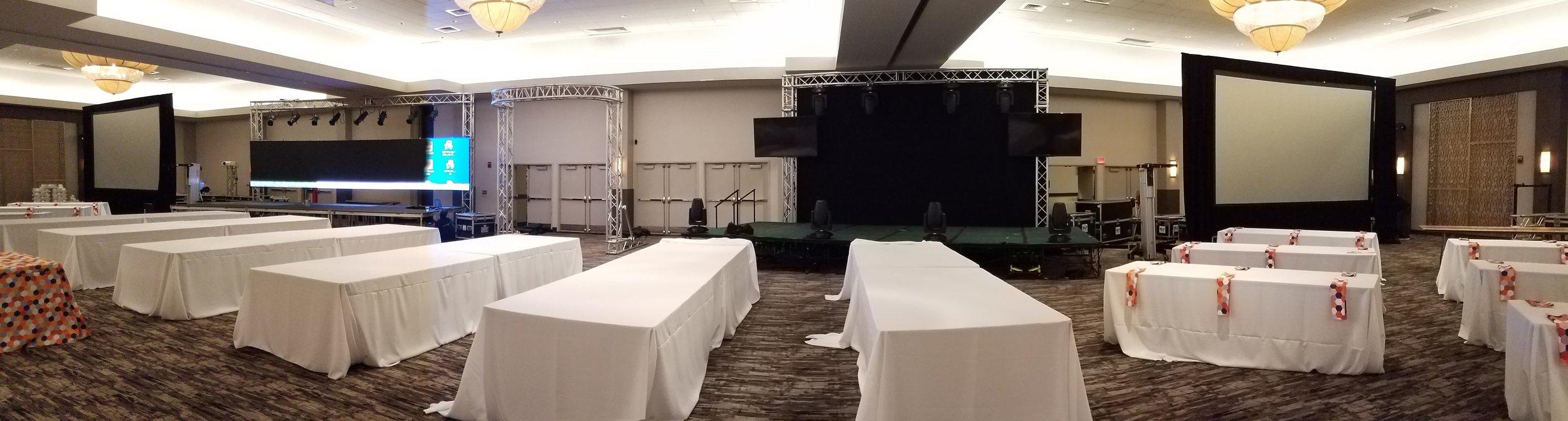 Projector Screens and Presentations
