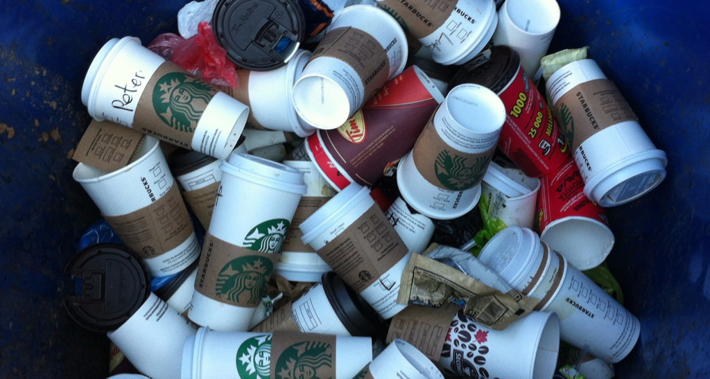 Disposable Coffee Cups Trash everyday / Photography by Leni J