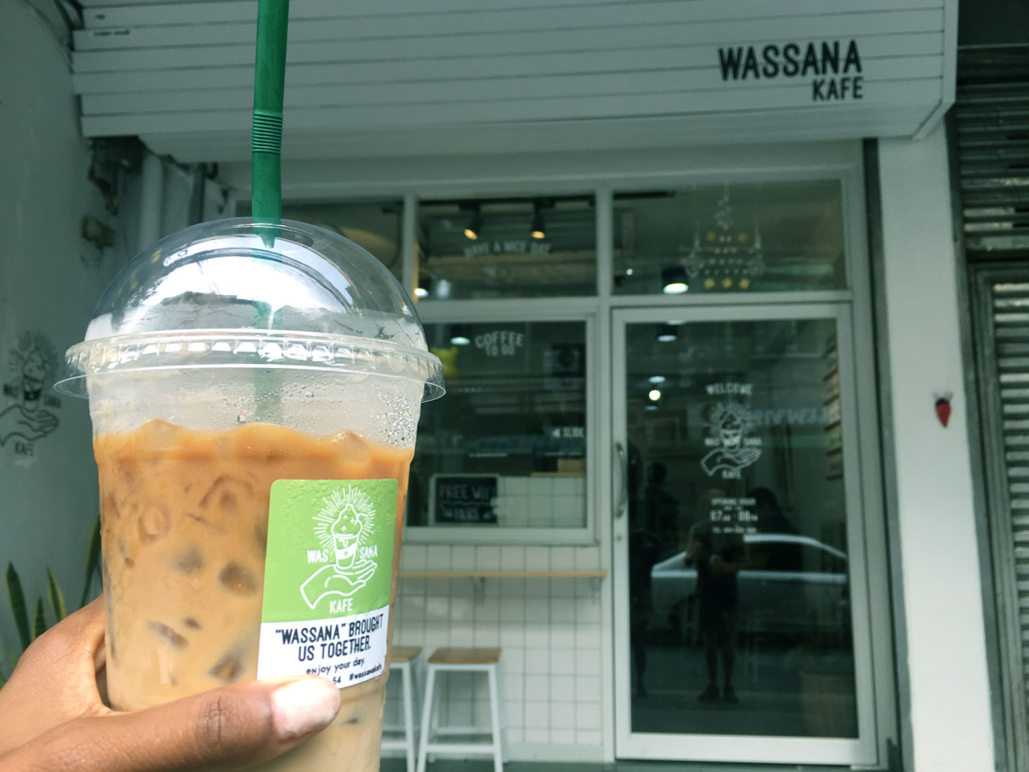 Wassana Kafe in Bangkok - Plastic Cups for Coffee :(