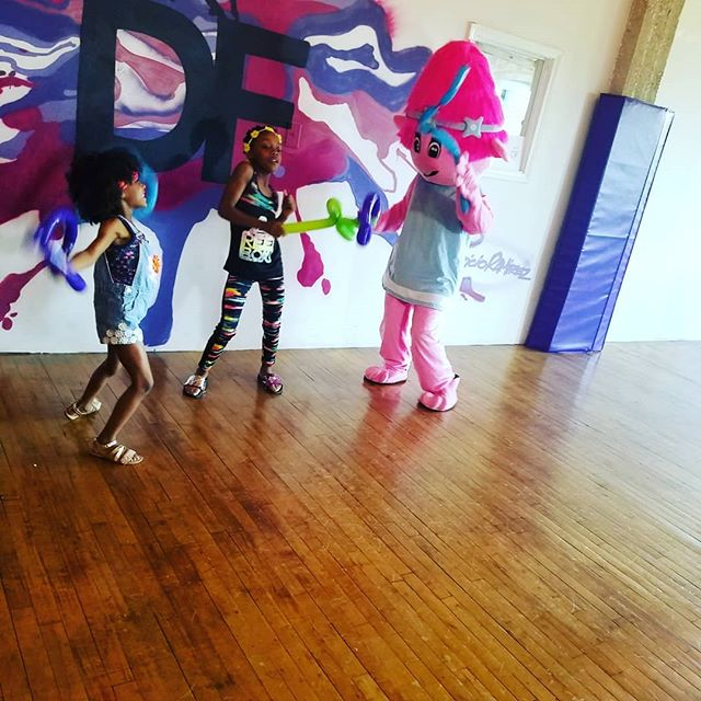 Have you booked your birthday party yet? You can customize your dance party with characters from your favorite movie or show! 773-932-6230  #childrenwhodance #chicagodancestudio #chicagomom #chicago #dance #characterparties #fun#allages#danceresource #dancespace#custombirthday #designyourparty #birthday #birthdayparty#love#dancerslife #bookme #booktoday#callus #pilsen #southloop #hydepark