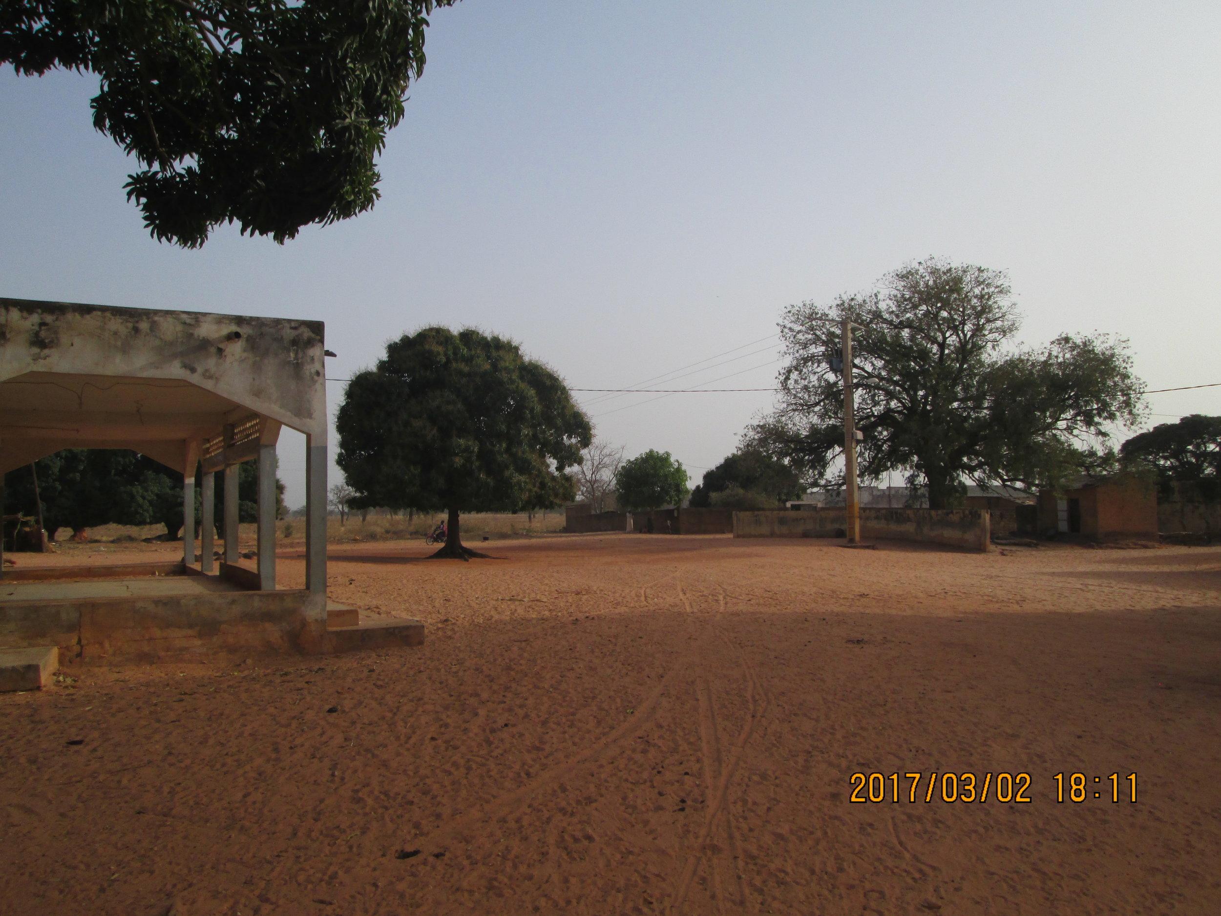 the village central espace.JPG