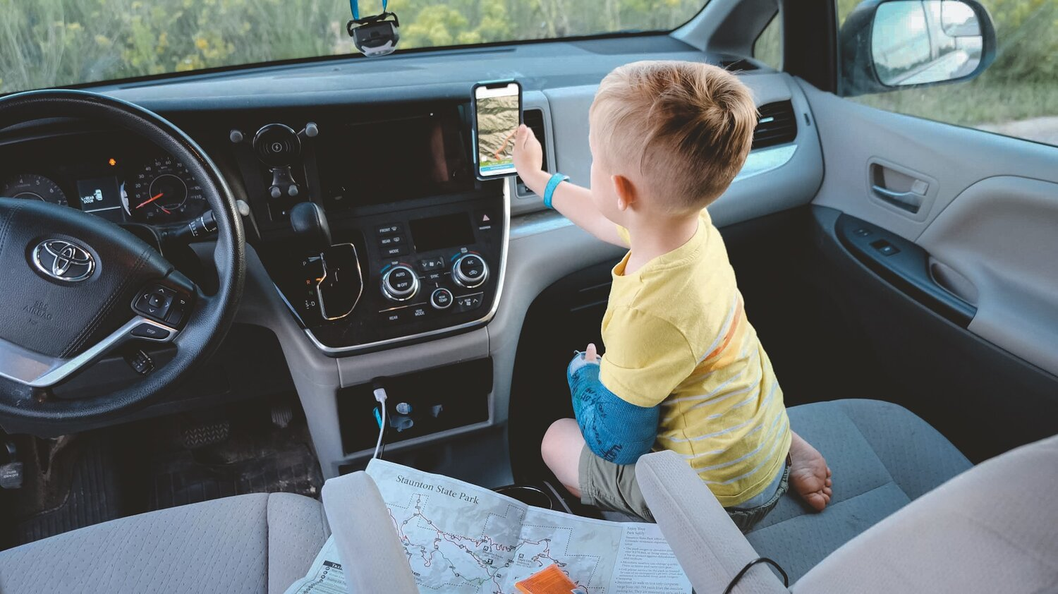 (We love the Steelie Orbiter Dash Kit to make navigation easy and hands free in the car when we are using maps)