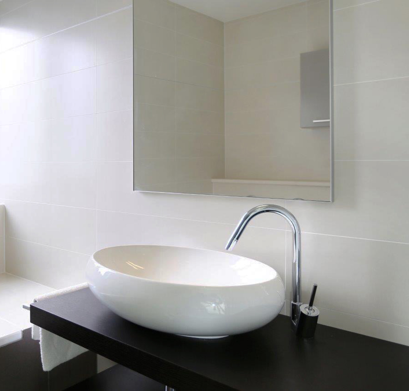 Contemporary holiday house interior design pics