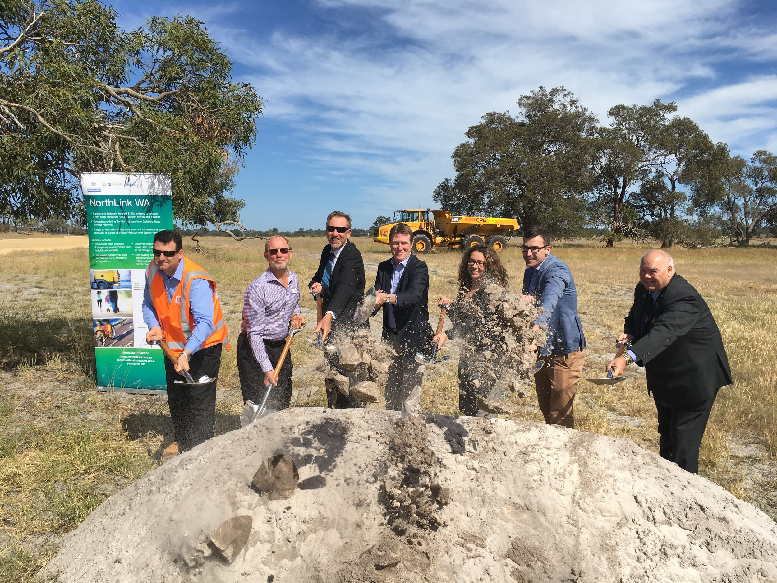 From left to right: Mr Yaquob Siddiqui, Main Roads; Mr Peter Osborne, Shire of Chittering Deputy President; Mr Rod Arnott, Senior Project Director for NorthLink WA Main Roads; MHR Christian Porter; Jessica Shaw MLA, Member for Swan Hills; John Carey MLA, Parliamentary Secretary to the WA State Minister for Transport; Cr David Lucas, Mayor City of Swan.