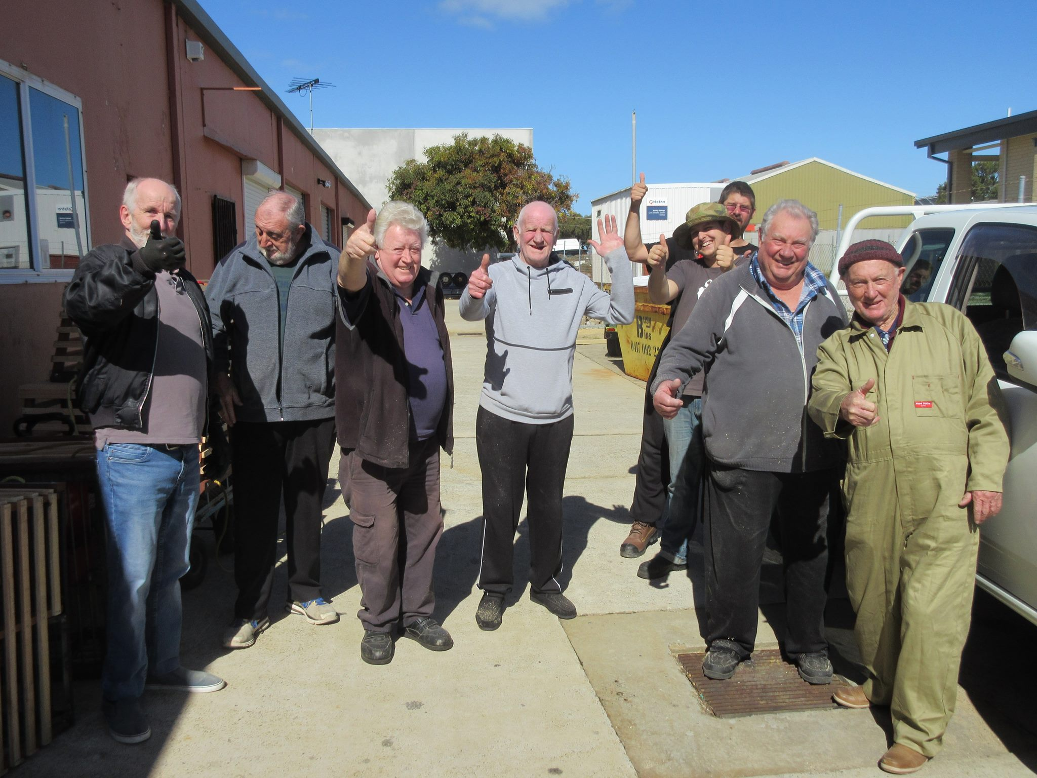 Yanchep Men's Shed - thumbs up.jpg