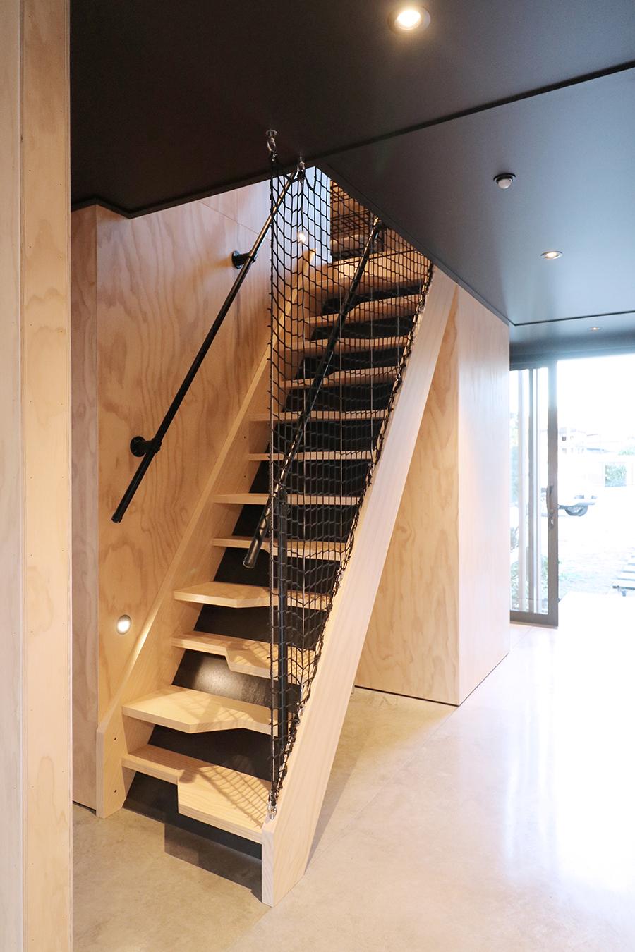 12. Stairs_04.jpg