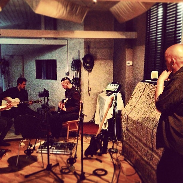 This time 6 years ago we were deep in the recording sessions for our self-titled Debut EP. In this photo, we were working out what would become the final arrangement for the track 'Fed To The Lions' with good friend, top man and legendary producer @mrmastergoss. ———— #throwback #taxtheheat #chrisgoss #recording #ep #fedtothelions #studio #rockmusic #rockband #record #guitars #guitar #bass #musicians #producer