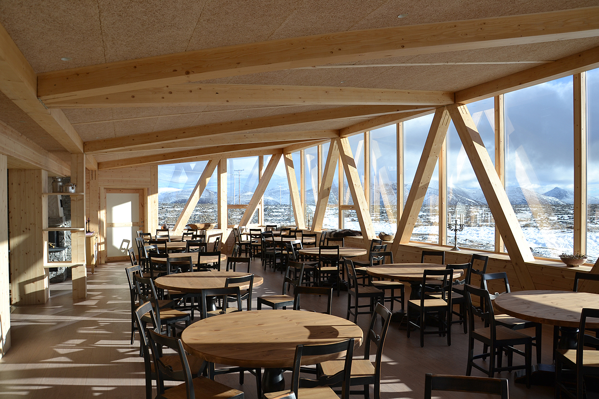 Spisesal Juvasshytta_RAM arkitektur Lillehammer_wood architecture Norway_Jotunheimen 05.JPG