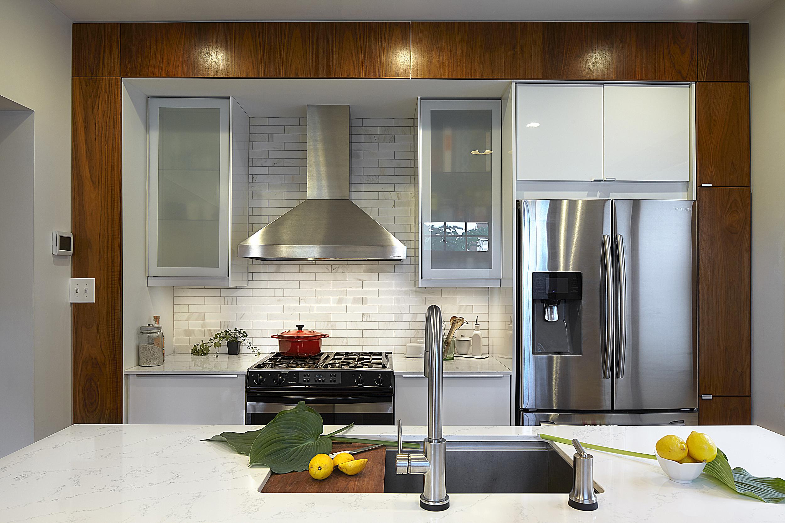 kitchen straight on_059 copy.jpg