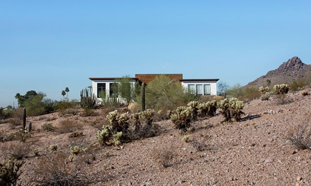 Looking back at this residential project which overlooks the hot Phoenix desert. This project included the addition of several bedrooms and other shared family areas . . #freyerarchitects #freyercollaborativearchitects #architecture #architecturephotography #architects #cm #construction #house #homedesign #residential #residentialarchitecture #residentialconstruction #desert #photo #photography #nature #naturephotography