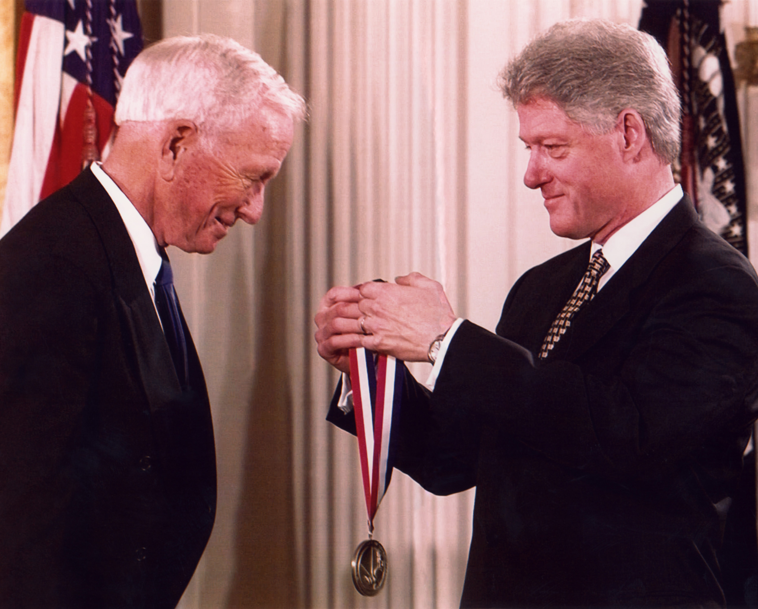 Dr. Cooley receiving the National Medal of Technology and Innovation from President Bill Clinton in 1998.