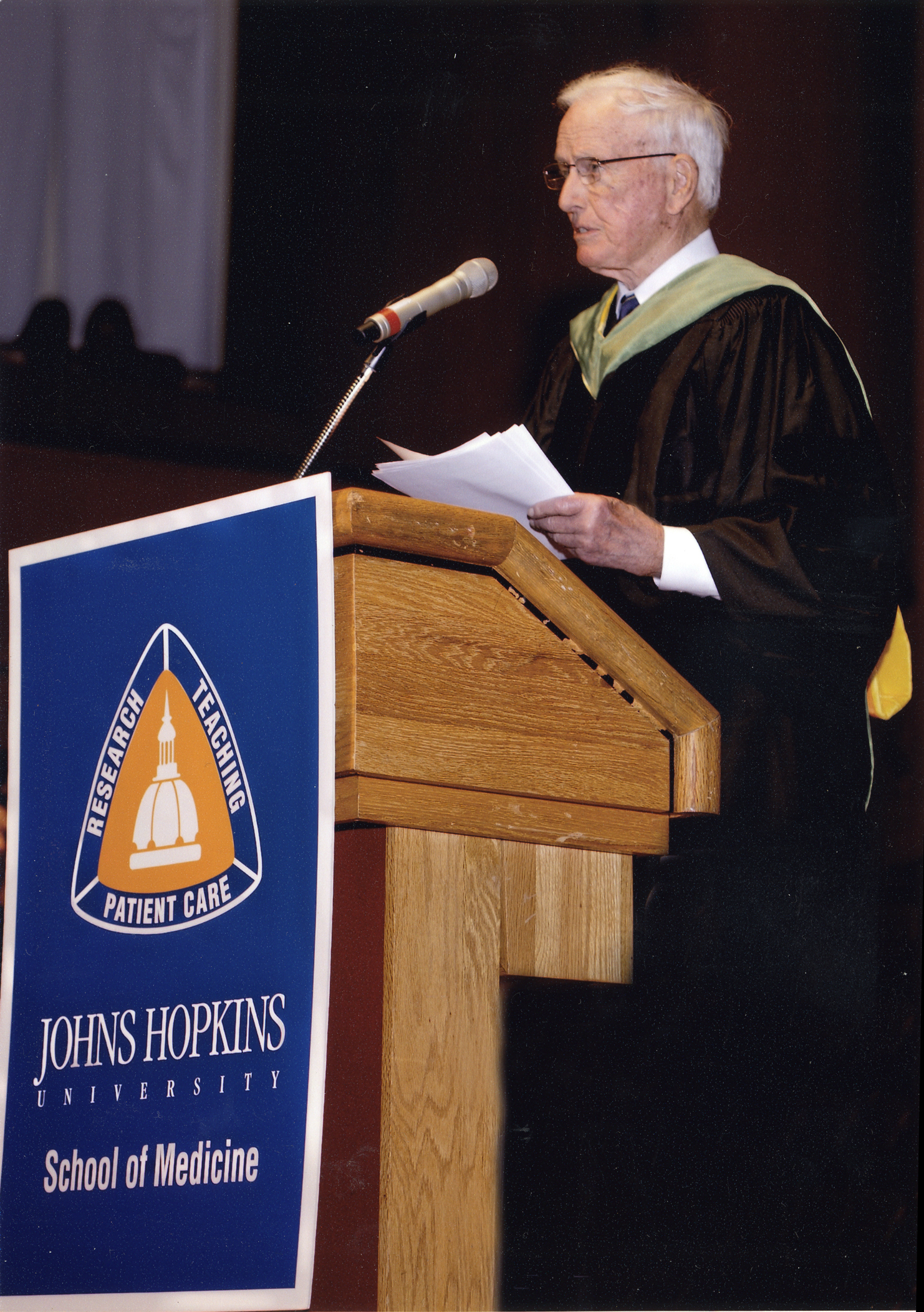 Dr. Cooley giving the commencement address at the Johns Hopkins Medical School in May 2009.