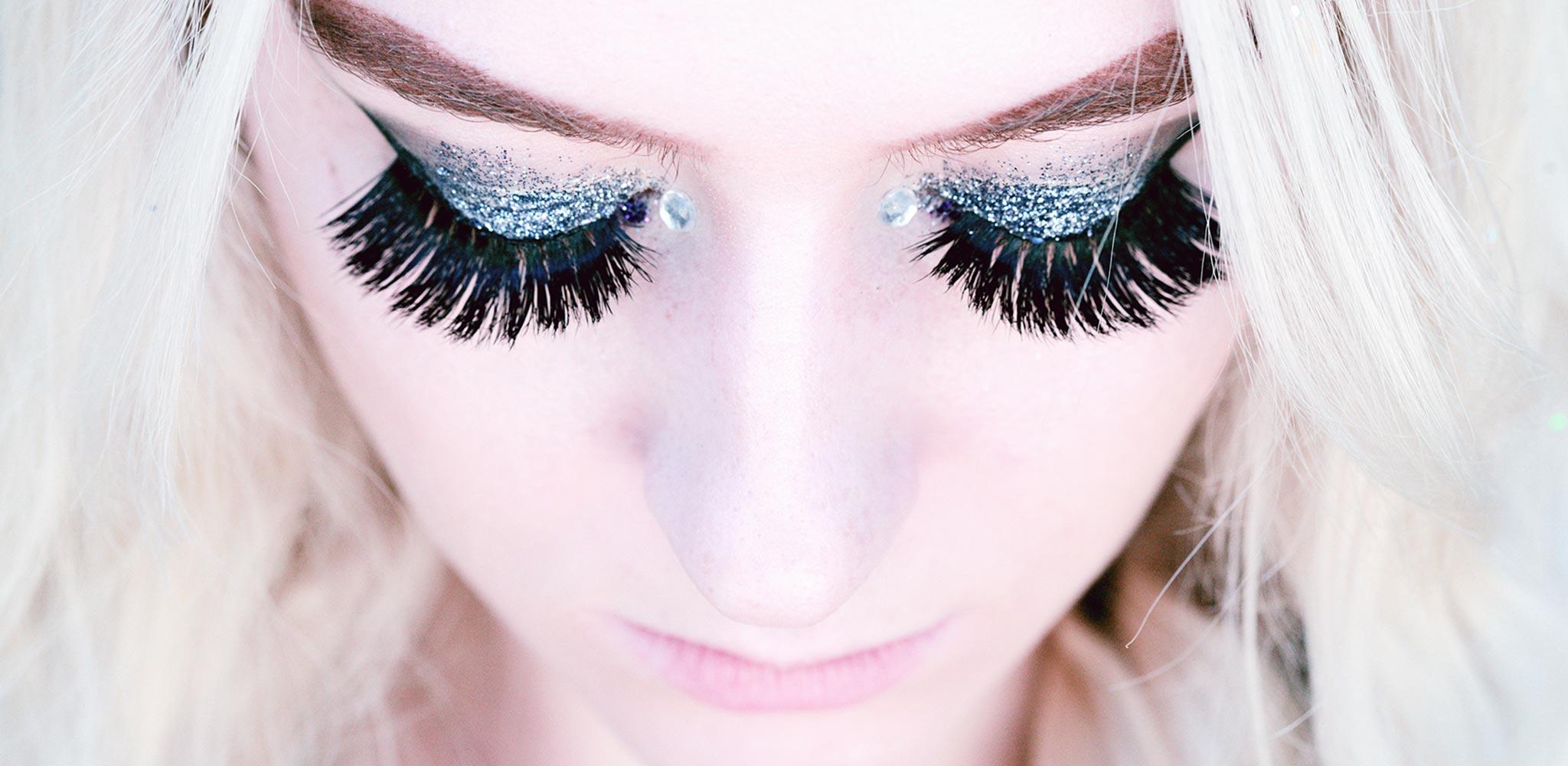 fake-lashes.jpg