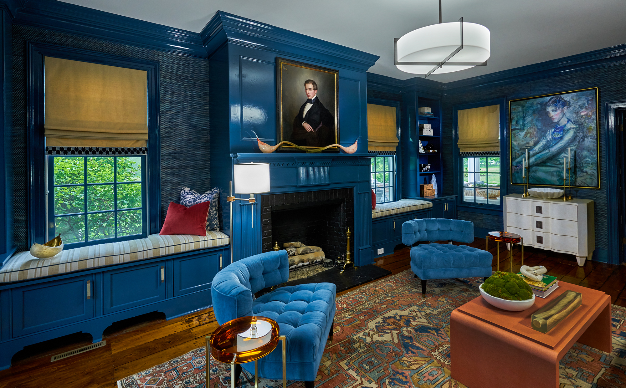 Blue lacquered library