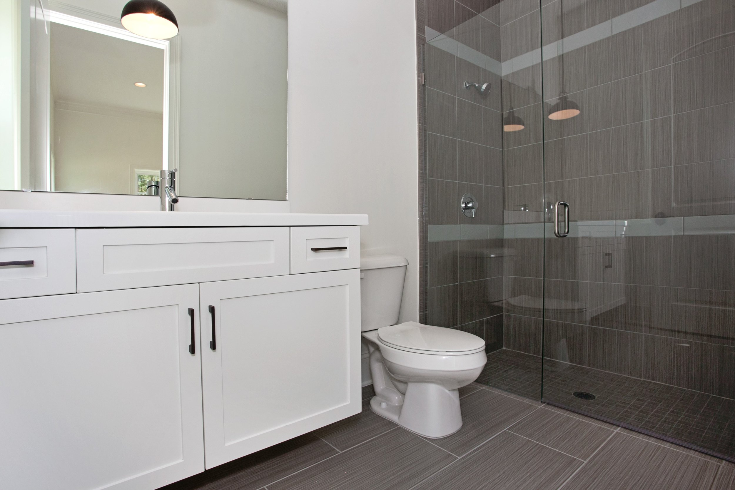 038_Bathroom.jpg
