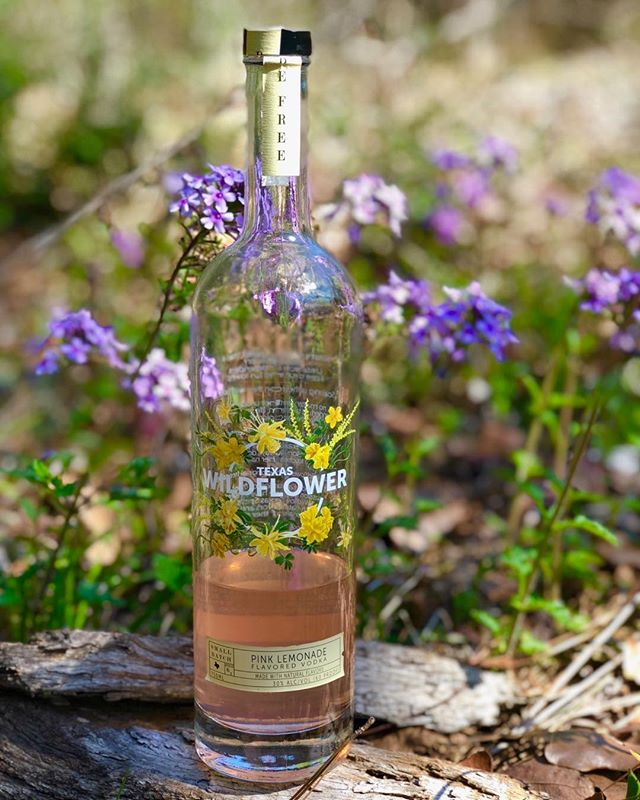 We got a little head start on Spring!  #1stdayofspring #springequinox #befree #drinkinthemoment #craftvodka #localdallas #cocktails #wildflowers #drinklocal #texasproud