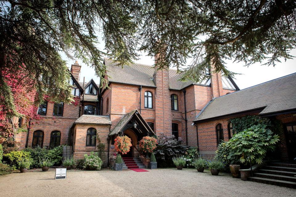 Careys-Manor-Photographer_10003.jpg