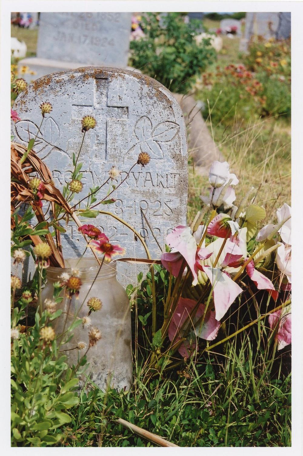 Grave, 2003