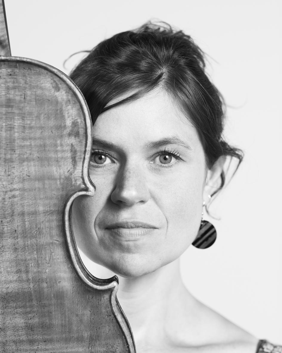 Claire Lechien  is a cellist.