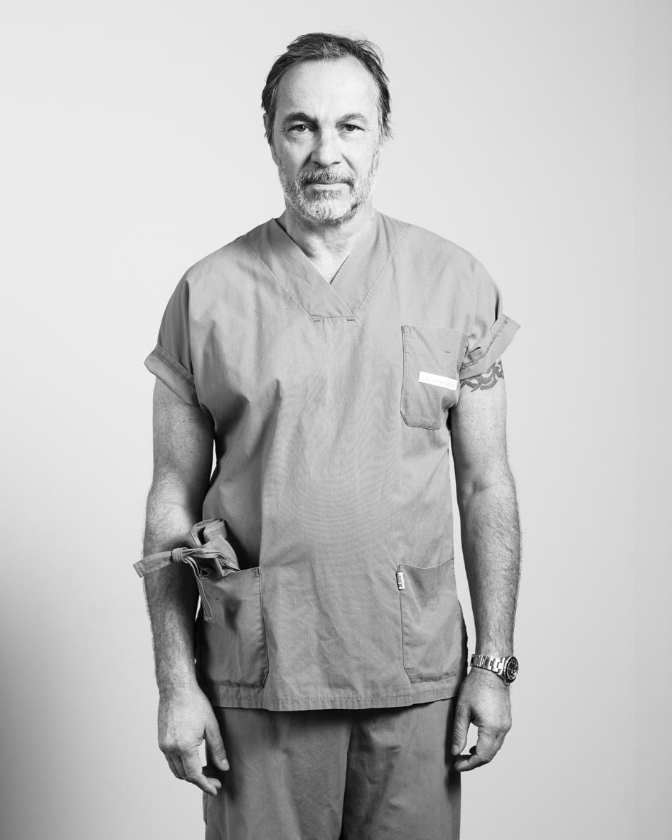 Didier de Cannière  treats hearts  Didier is a cardiac surgeon