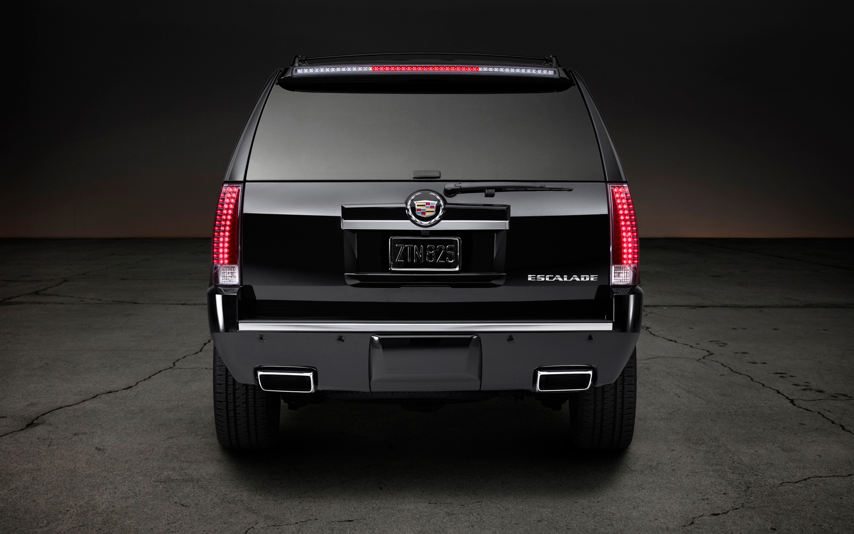2014-Cadillac-Escalade-ESV-Premium-rear-end-1.jpg