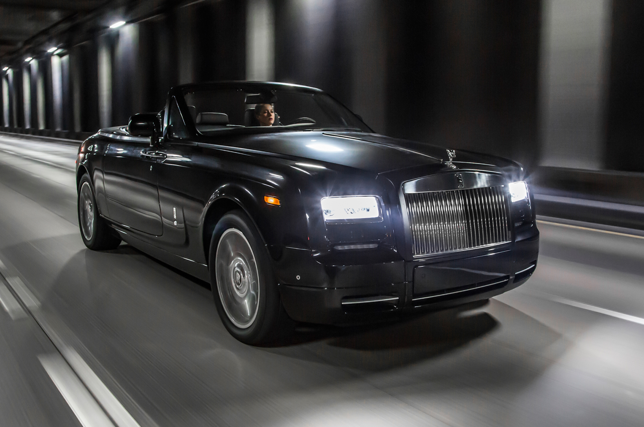 Rolls-Royce-Phantom-Drophead-Coupe-Nighthawk-front-three-quarter-in-motion-03.jpg