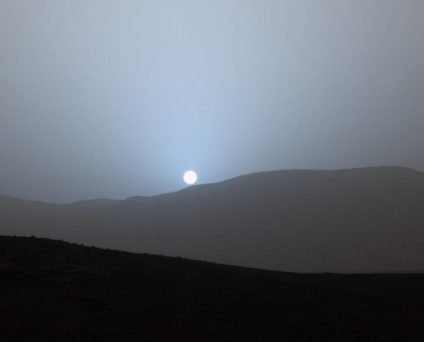 Sunset on Mars, captured by the Curiosity rover on April 15, 2015 from the Gale Crater. Courtesy NASA/JPL-Caltech/MSSS