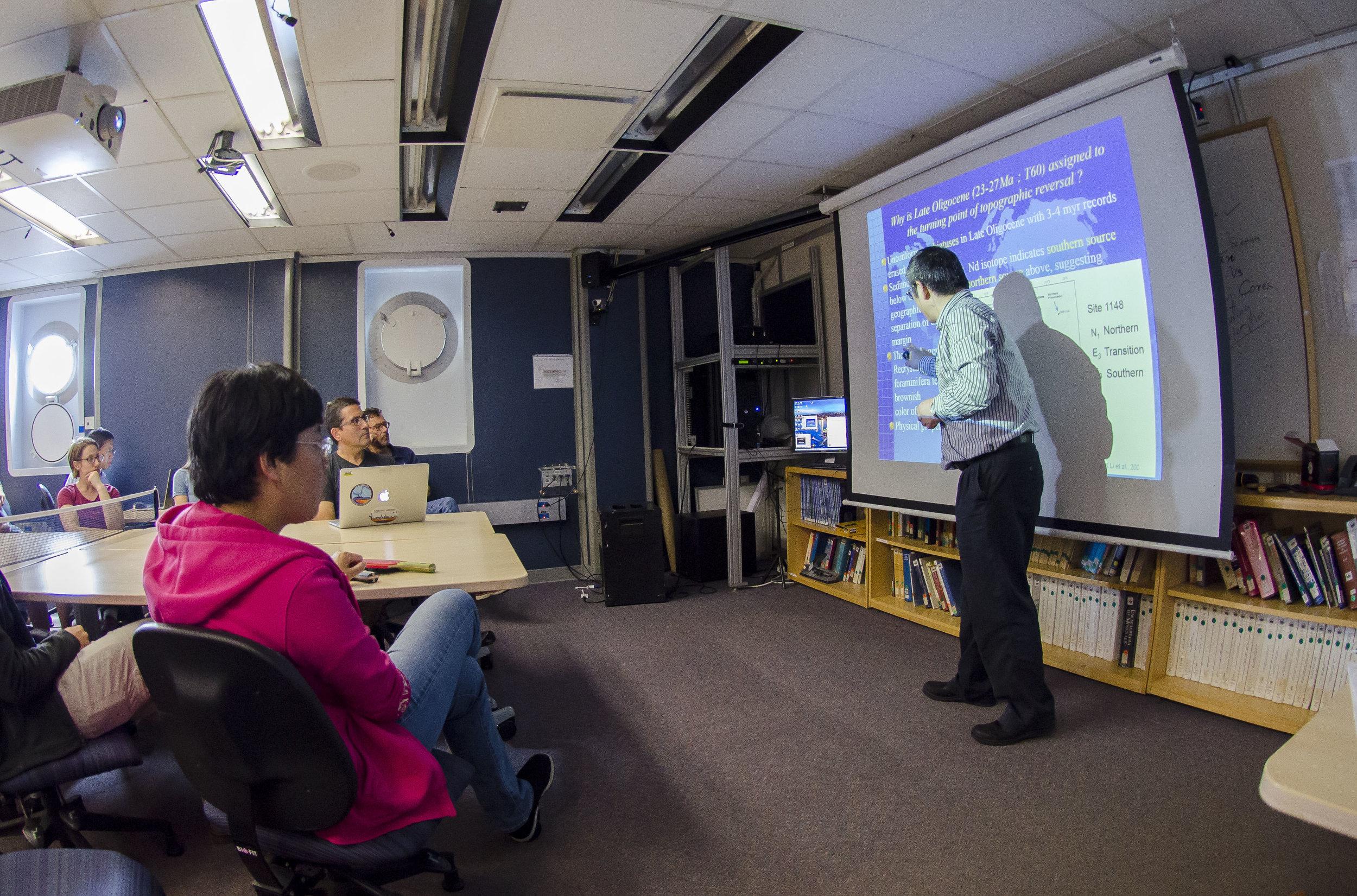 Crossover meeting presentation. Photo credit: Tim Fulton, IODP.