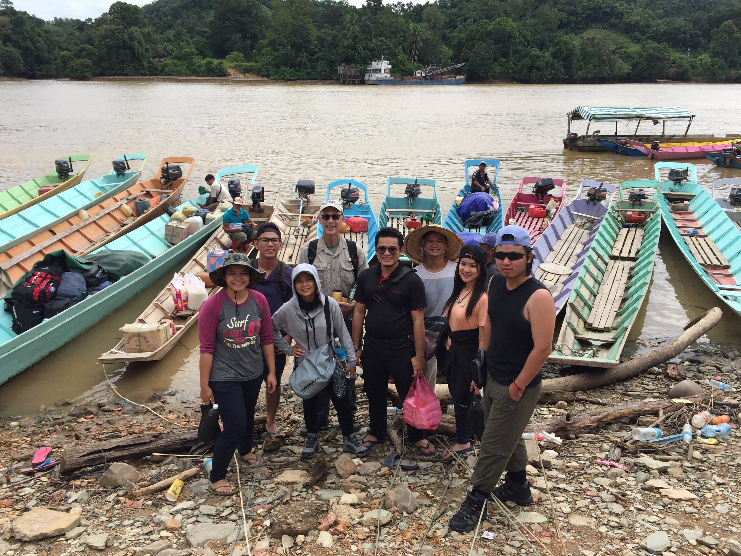Part of the 2017 Lanjak Entimau Wildlife Sanctuary field expedition crew