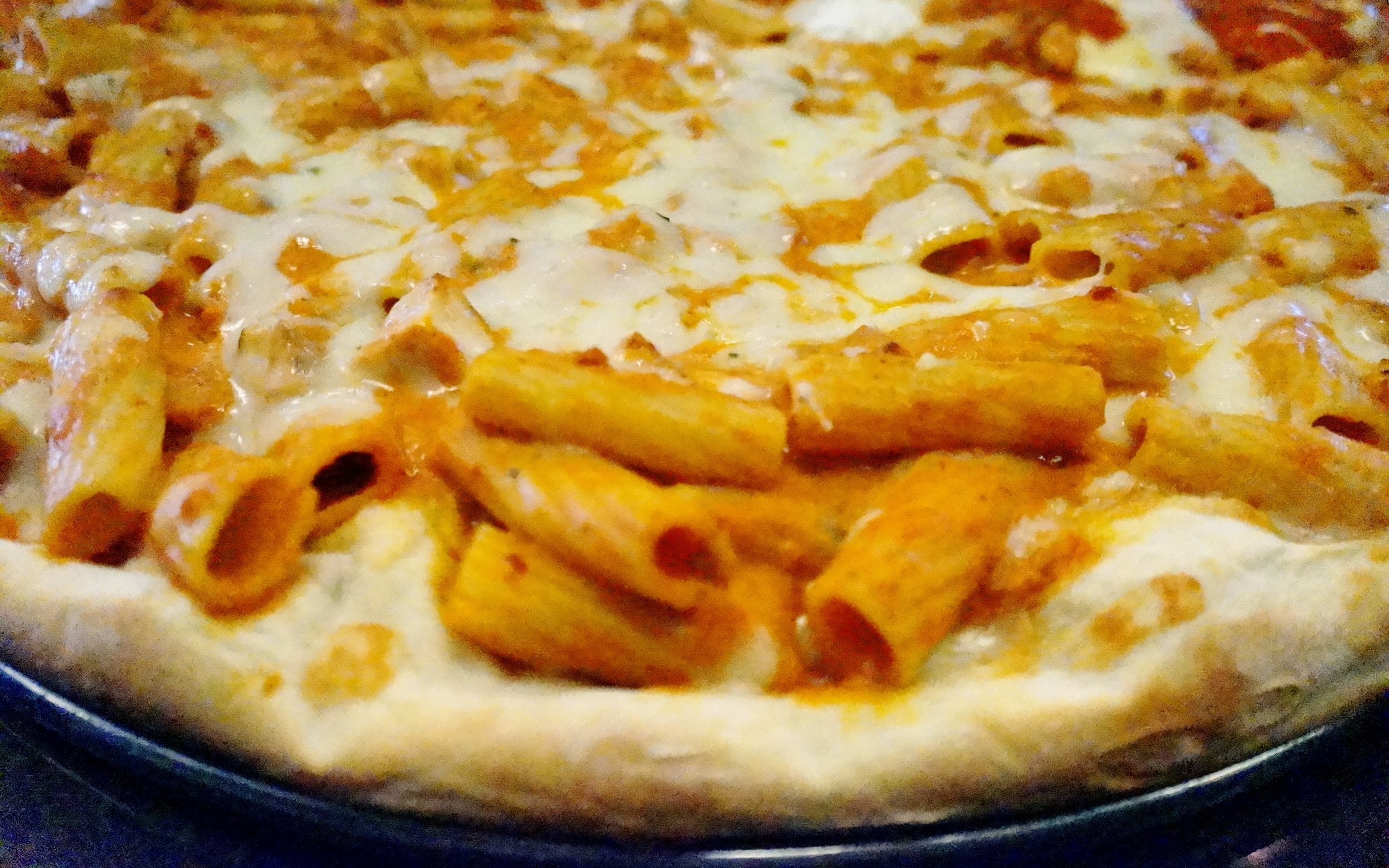Chicken & Rigatoni A La Vodka Pizza