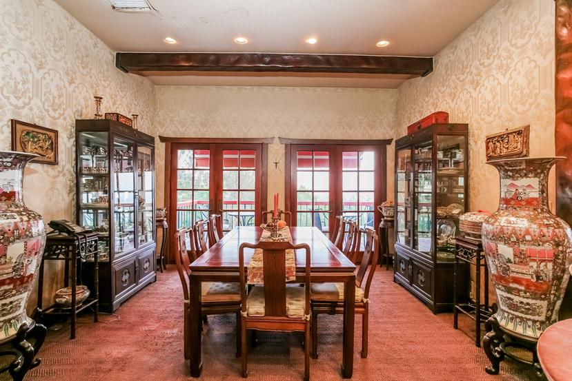 025-Dining_Room-944442-small.jpg