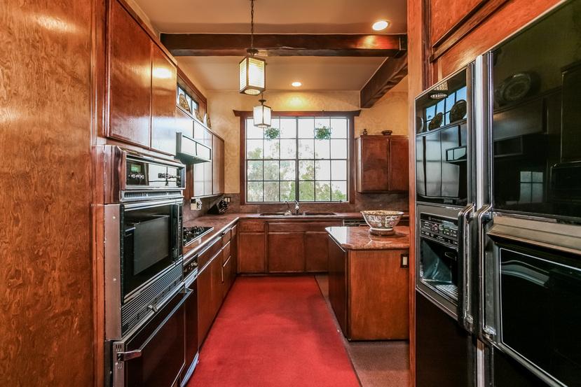 028-Kitchen-944443-small.jpg