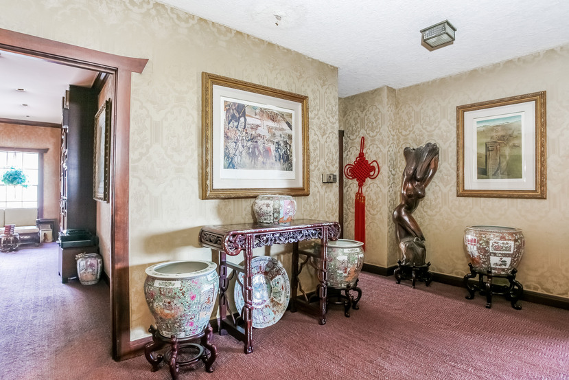 033-Hallway-944452-small.jpg