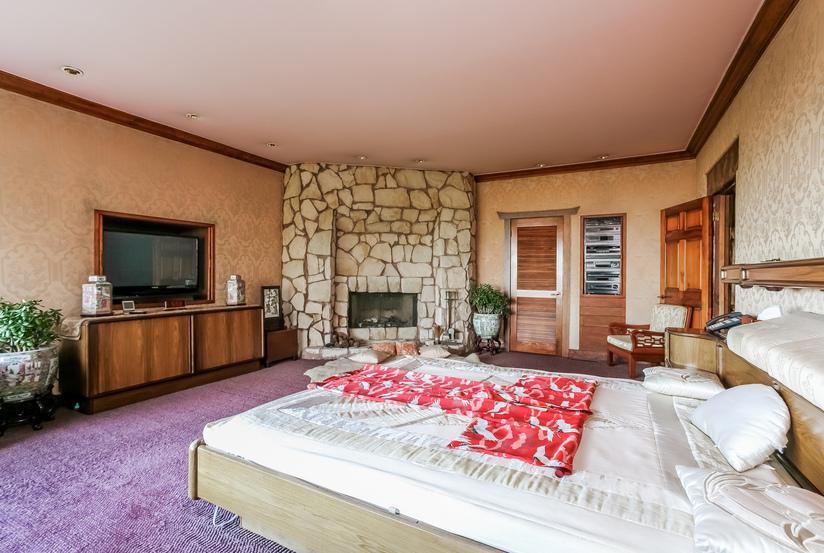 036-Bedroom-944513-small.jpg