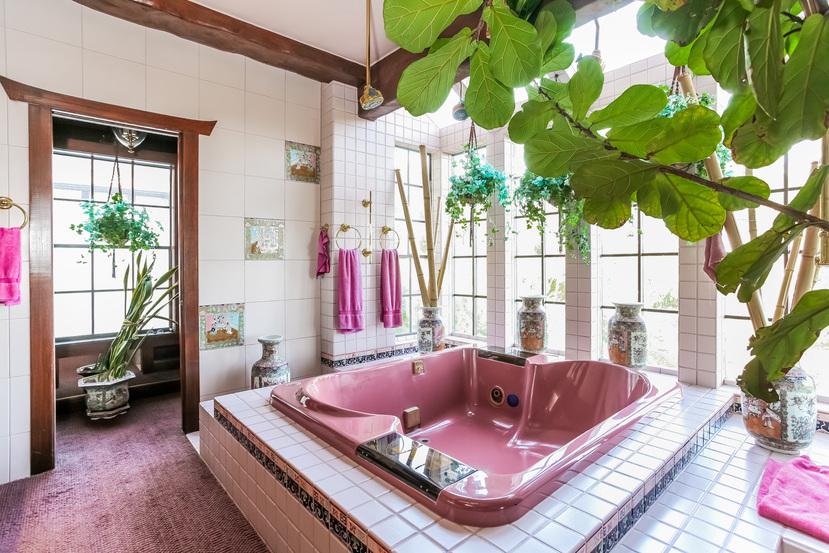 041-Bathroom-944515-small.jpg