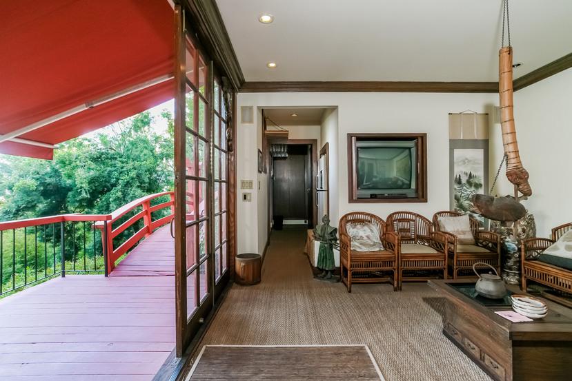 059-Sitting_Room-944530-small.jpg