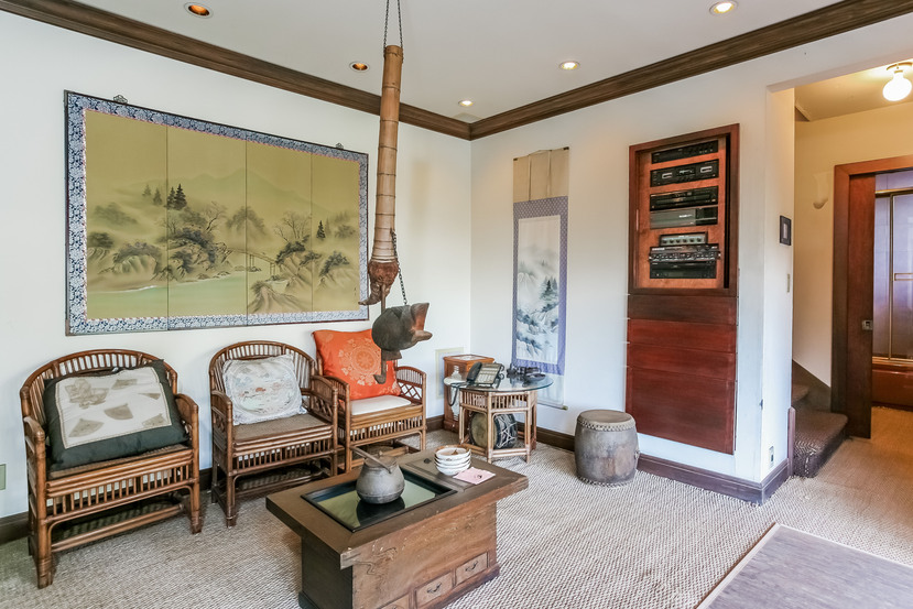 061-Sitting_Room-944532-small.jpg