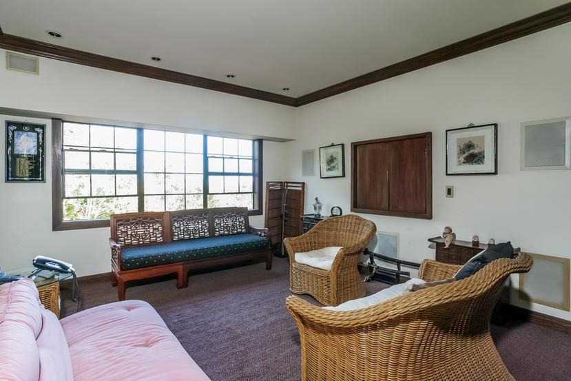 063-Sitting_Room-944528-small.jpg