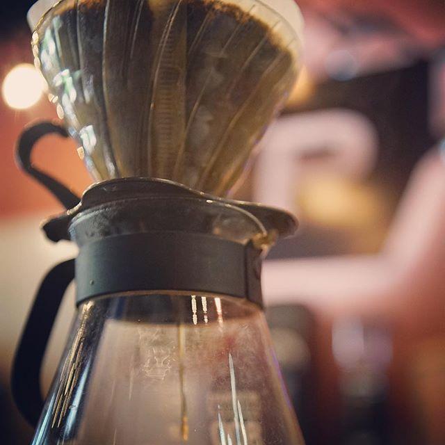 Cual es tu método favorito? Has probado nuestros flights? #v-60 #metodos #mejorcafe #thirdwave #coffeeshop #pruebaalgodiferente