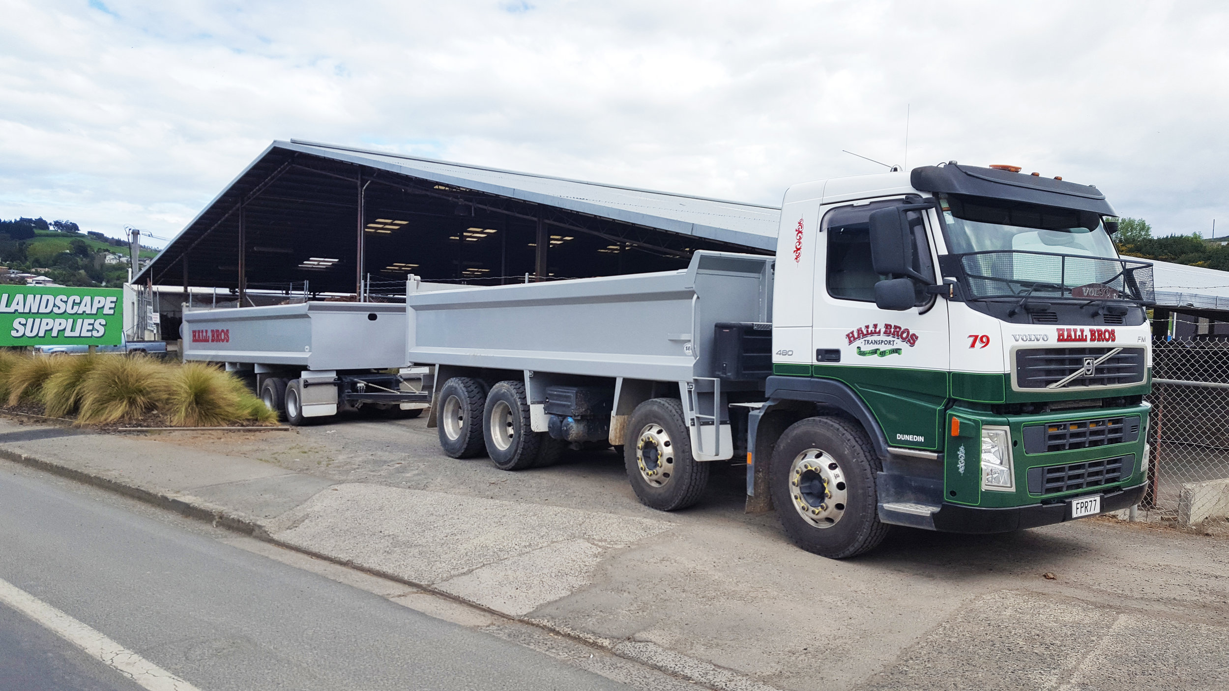 Hardox Truck & Trailer made by SEC Engineering for Hall Bros Dunedin.