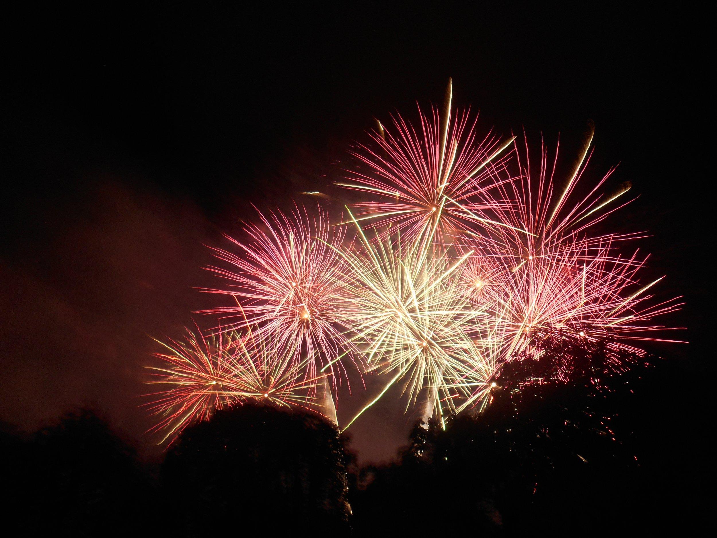 Bairnsdaleshowfireworks.jpg