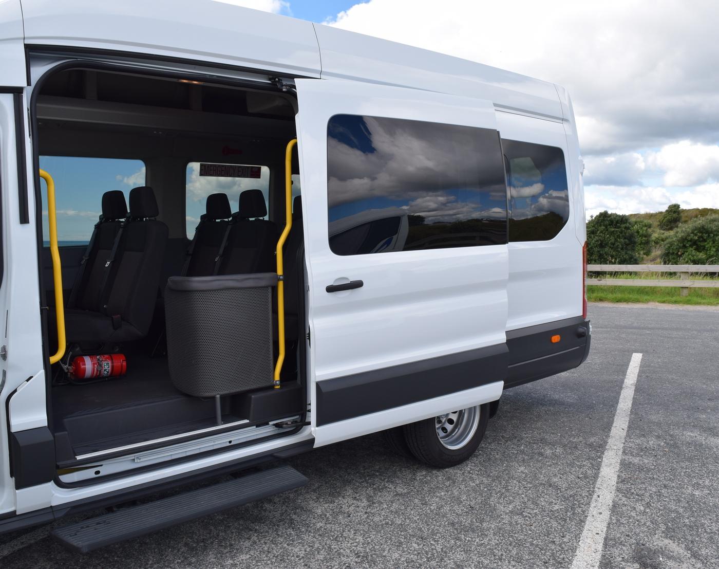 Mini Van Private Charter03.jpg