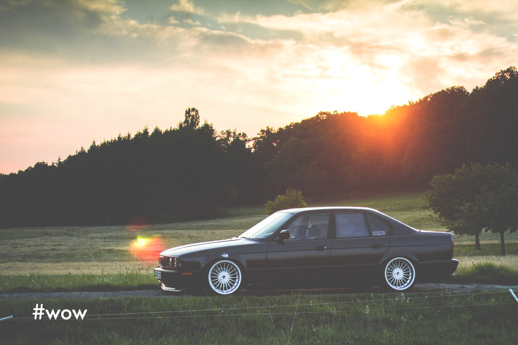 Mömus BMW E34 sunset