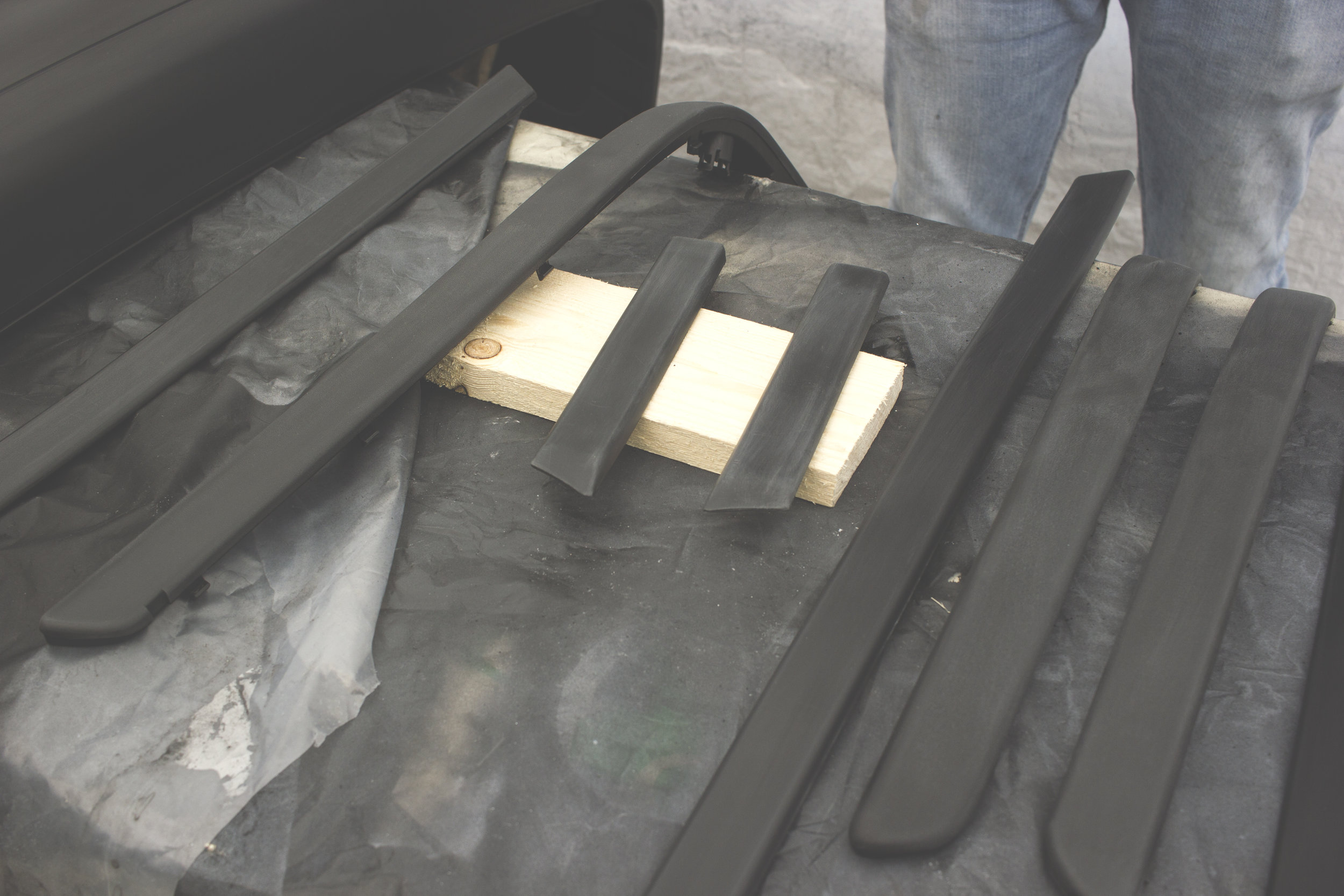 Mömus BMW E39 m sport package body trim mouldings paint DIY next time