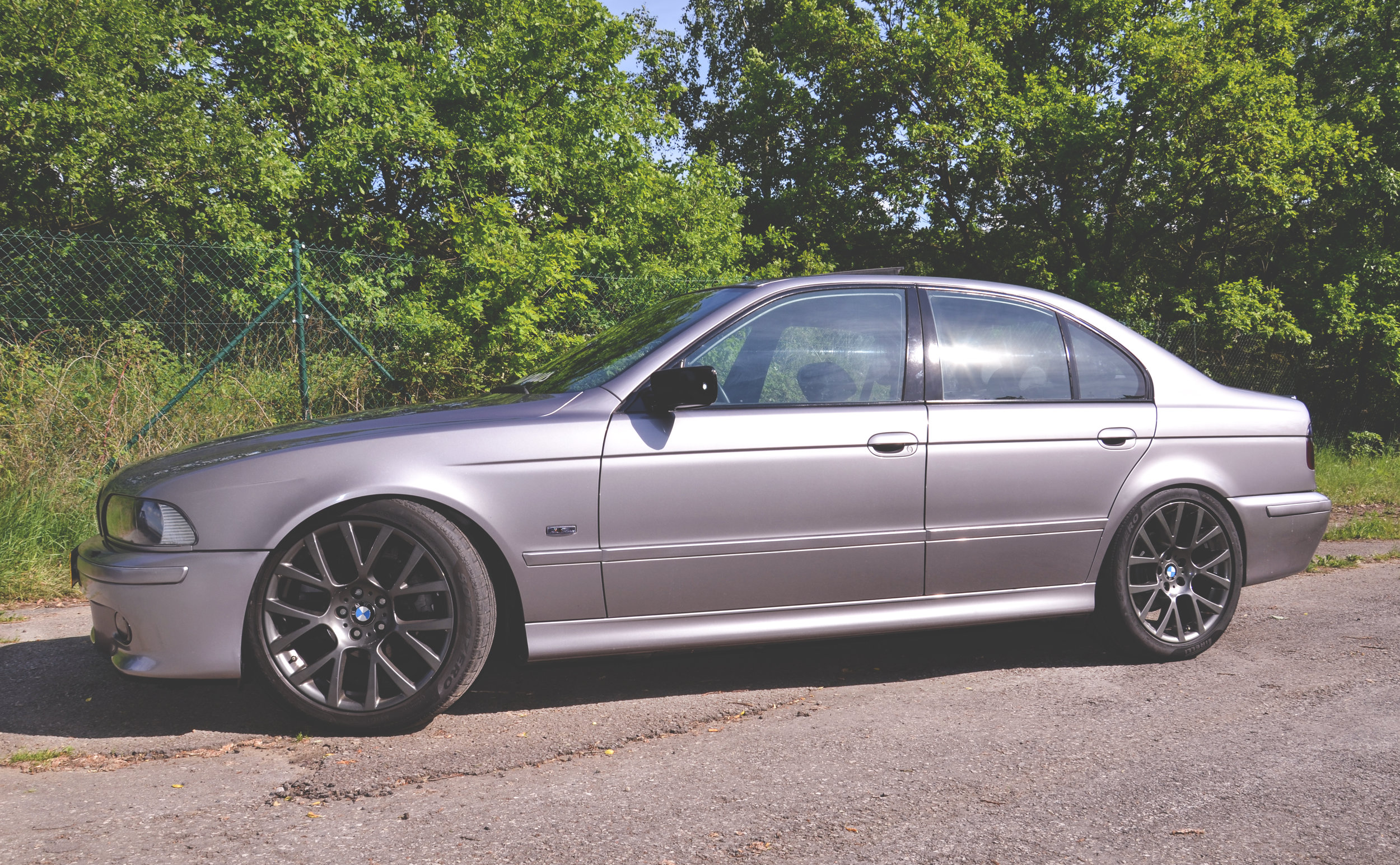 Mömus BMW E39 Bumpers M Sport Paint and Finish Aspen silver Final results side